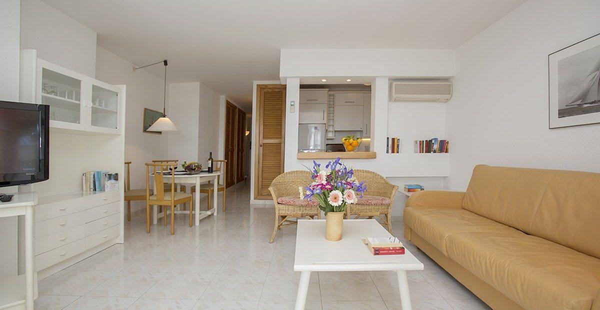 EdificioPuerto-Colonia-Sant-Jordi-F-Wohnzimmer-1-1200x620